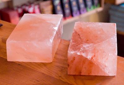 Batu-batan (tiles) dari Garam Bukit
