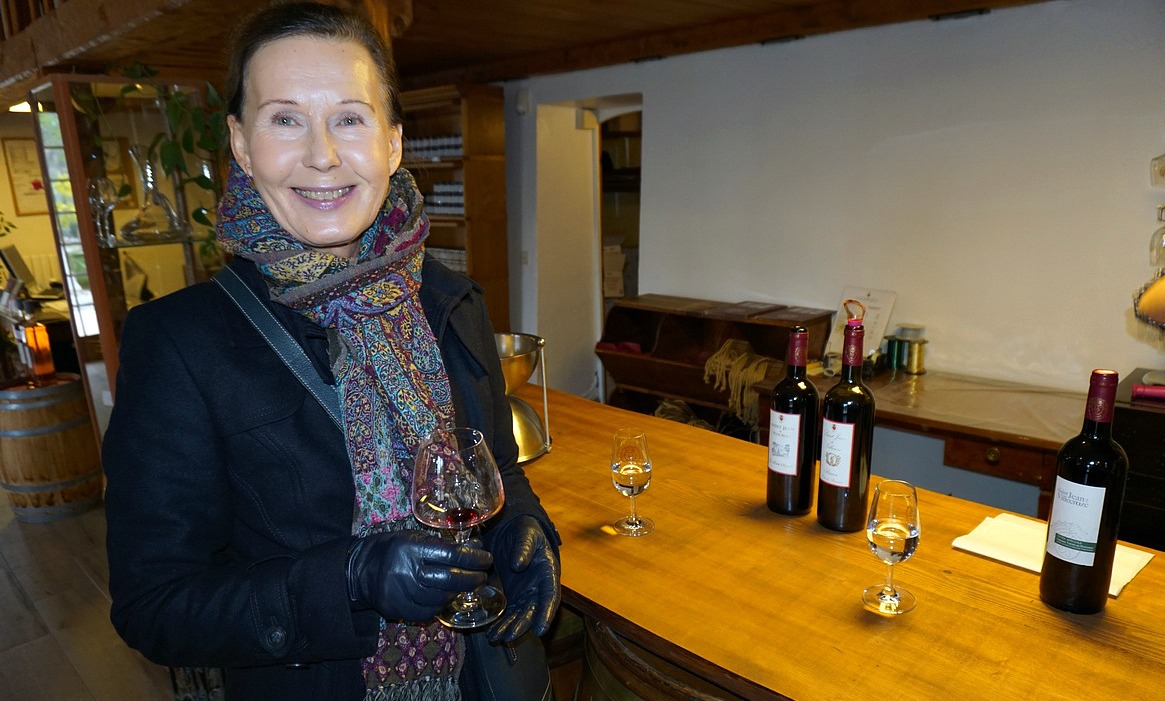 Wine tasting at Domaine Saint-Jean de Villecroze
