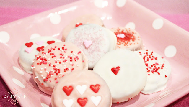 Valentines Day chocolate dipped oreos