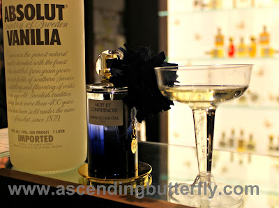 @Sniffapalooza @AnnickGoutalUS Night Birds Holiday Celebration! #Scent #Perfume #Luxury #Fragrance #HolidayParty, Signature Cocktail using ABSOLUT VANILIA, inspired by Nuit En Confidences Perfume