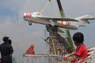 Monumen MiG 17 Fresco di Banyumas