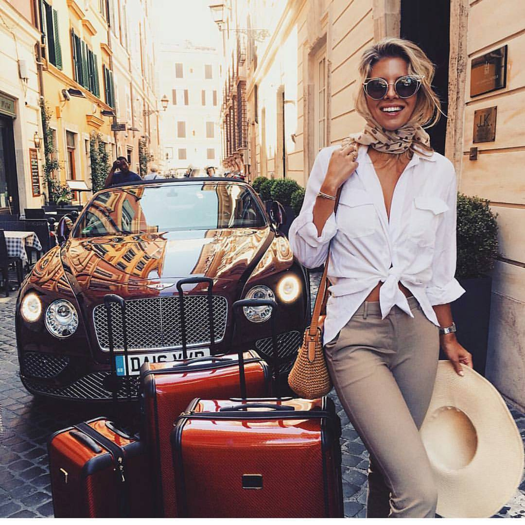 hello monday, girl boss, bogaty styl, style and the city, travel, luxury, blog po 30ce, stylowe, kobiety, w stylu, klasyka
