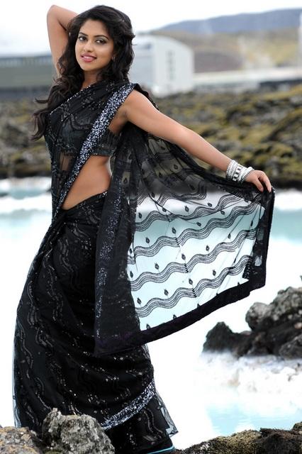 Amala paul hot still in saree from naayak telugu movie