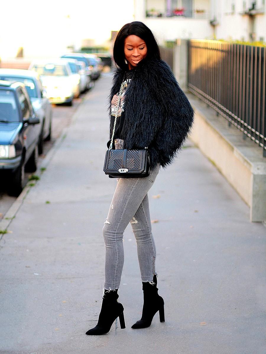 sock-boots-kim-kardashian-style-slim-jeans-faux-fur-coat