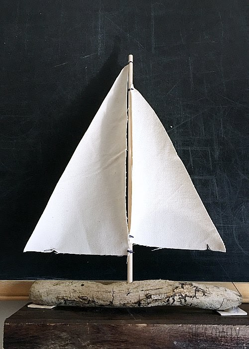 How to make a DIY sailboat from driftwood and canvas cloth
