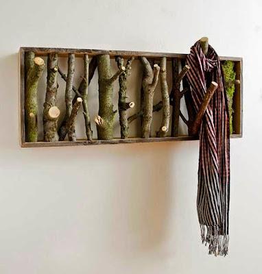 Colgador para la ropa hecho con ramas