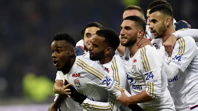 L'OL a réalisé un match quasi parfait pour être la première équipe à battre le PSG cette saison.