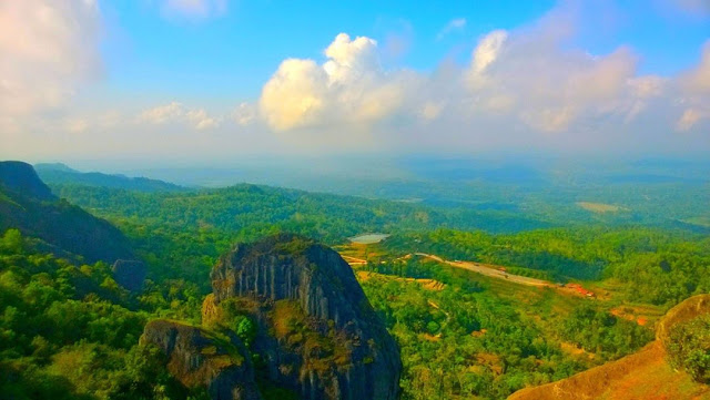 foto pemandangan desa wisata nglanggeran