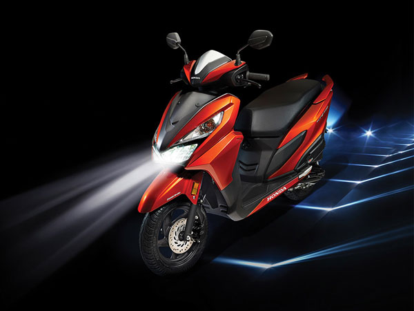 Honda Grazia on light image 03