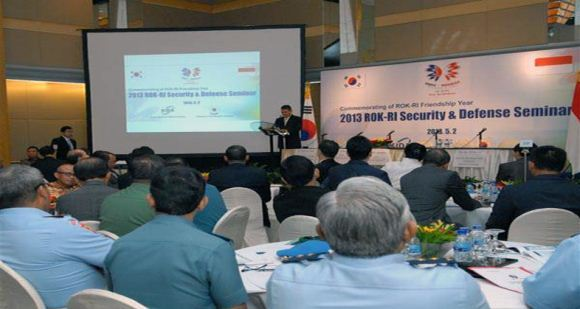 Seminar Security and Defence 2013 RI-Korsel