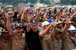 Kerumunan Demonstran