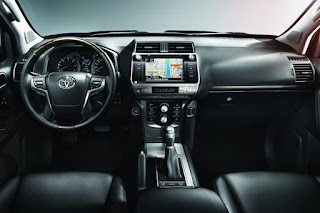 Toyota Land Cruiser Invincible 5-Door (2018) Dashboard