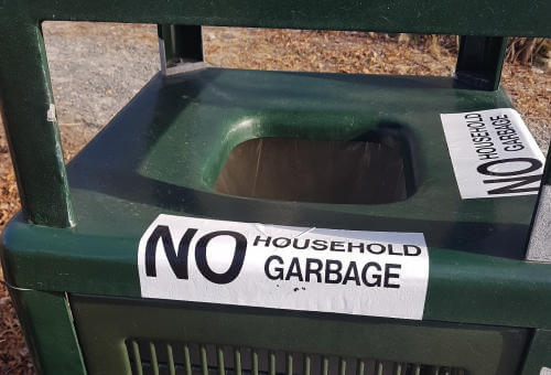 NO HOUSEHOLD GARBAGE