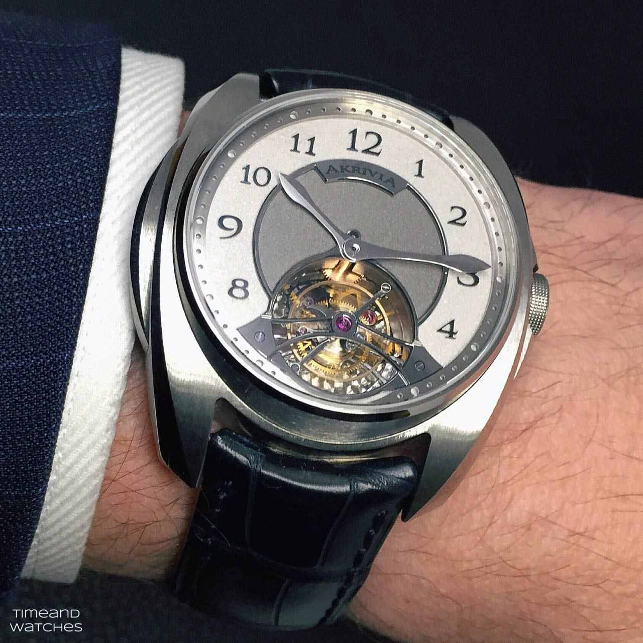 Akrivia Tourbillon Barrette Miroir Time And Watches