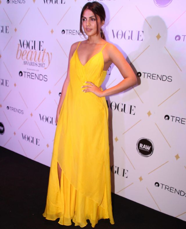 Rhea Chakraborthy At 2017 Vogue Beauty Awards In Yellow Dress