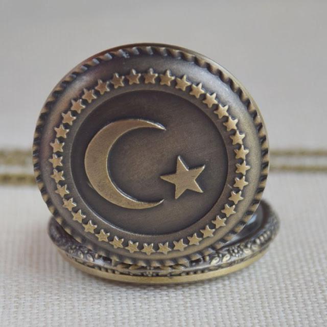 6 Alasan Mengapa Umat Islam Menggunakan Simbol Bulan dan Bintang