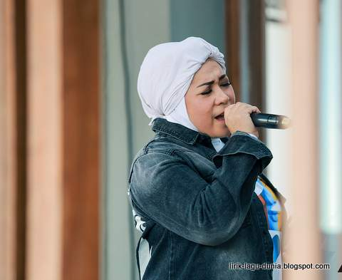 Melly Goeslaw