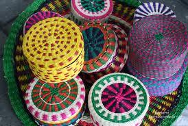 Arte Popular Latinoamericano  Artesanía en fibra de palma toquilla f070332bc46