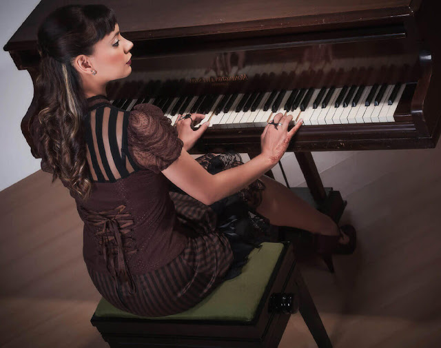 Composer/musician Anna-Christina - www.annachristinamusic.com