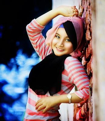 foto hijab yang simple foto hijab yg lagi trend foto hijab yang baik foto hijab yang benar cewek manis senyum indah remaja jadi model terlalu baik