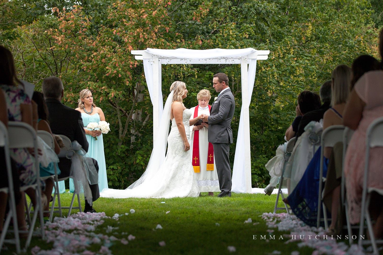 Grand Falls Windsor garden weddings in Central Newfoundland photographed by Emma Hutchinson