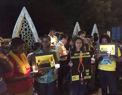 Candle light vigil outside Kajang Prison for Rames & Suthar Batumalai