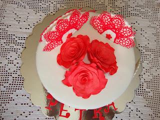 Tarta rosas y abanicos de fondant