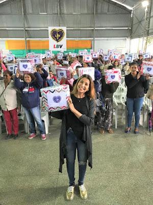 Famílias acompanhadas pelo CRAS de Juquiá recebem doação de cobertores da LBV