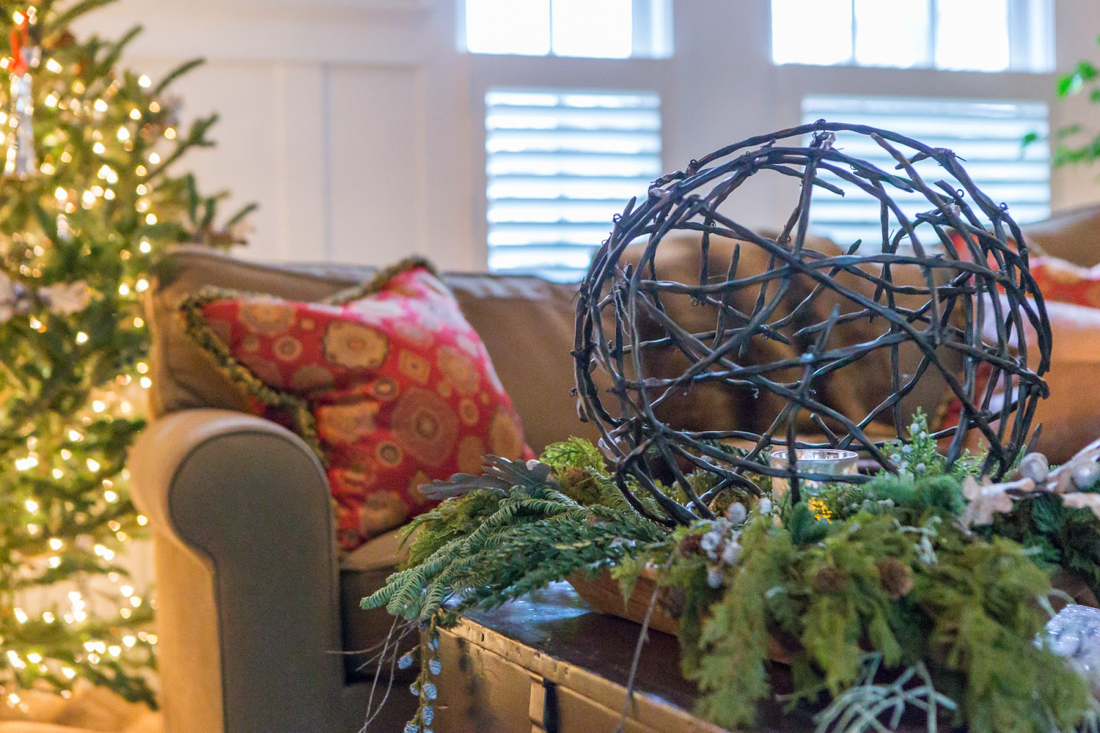 5th and state: Geneva Christmas House Tour 2014