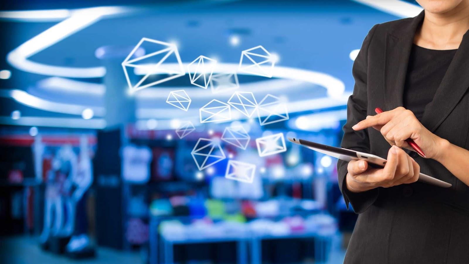 tips trik cara teknik penulisan email marketing yang sukses berhasil efektif komunikasi bisnis promosi penawaran kerjasama proposal bahan materi jenis macam arti pengertian definisi kelebihan kelemahan digital internet social media medsos periklanan advertising advantage disadvantage