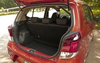 Khoang hành lý rộng rãi Toyota Wigo
