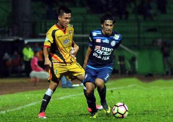Arema FC vs Mitra Kukar