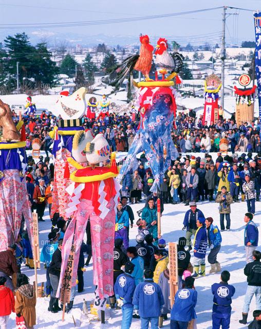 Bonden-sai (carrying bonden for the gods to descend), Akita