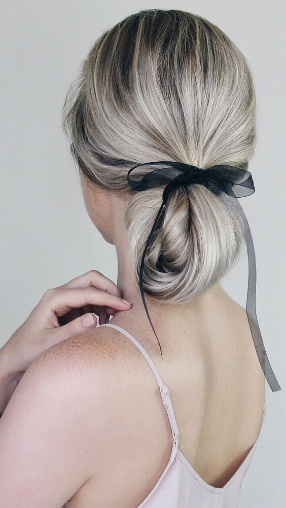 IMPLE HAIRSTYLES INCORPORATING BOWS & RIBBON