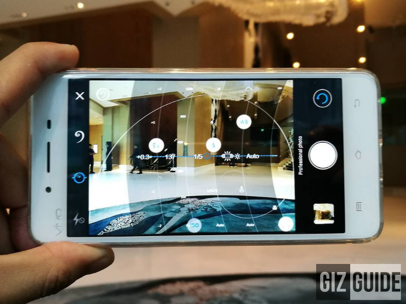 The complete manual camera controls of Vivo V3