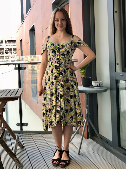 Diary of a Chain Stitcher: Nina Lee London Kew Dress in Dahlia Floral Viscose Crepe from Til the Sun Goes Down