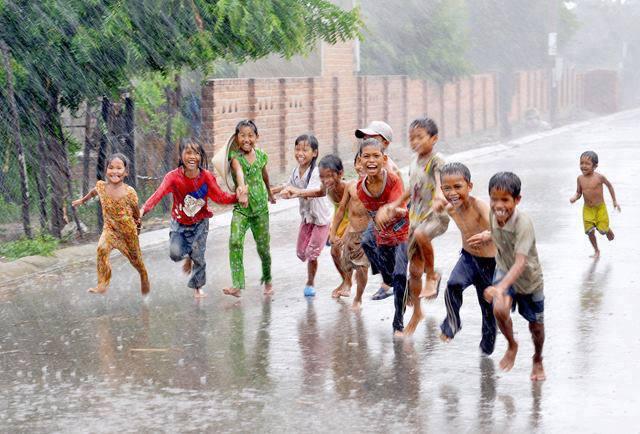 बारिश में बच्चो को बीमारियों से कैसे बचाये