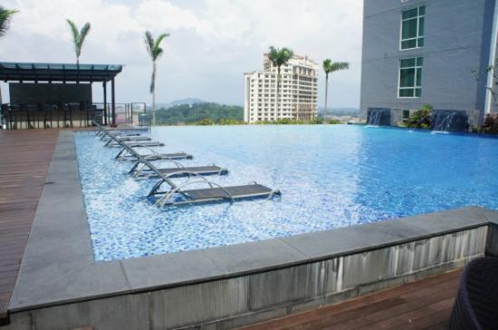 Hatten Hotel Melaka Merupakan Bintang 4 Yang Terletak Di Square Jln Merdeka Bandar Hilir 75000 Malaysia Dengan Nomor