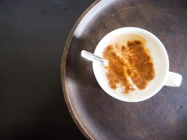 Syksy, tunnelmaihminen, kaneli, kahvi, tuoksukynttilä,