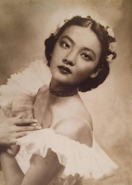 Beautiful Shanghai Studio Portraits From The 1920s