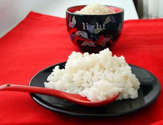 Выбираем и готовим рис для роллов (Варианты рецептов приготовления риса и заливки) рис, роллы, суши, кухня японская, кулинария, советы кулинарные, рецепты кулинарные, приготовление, еда, про рис, про суши, про роллы, уксус рисовый, заливка для риса, выбор риса, рис японский, правила приготовления суши, http://prazdnichnymir.ru/,