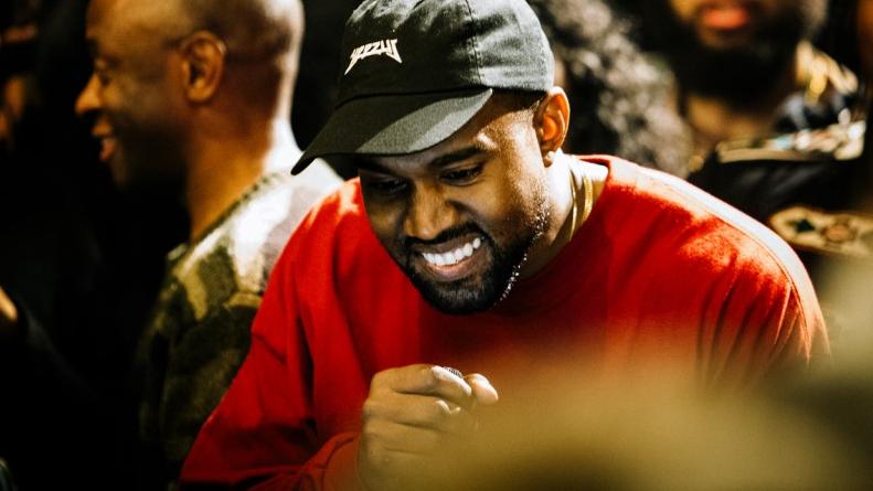 Após cancelamento de turnê, rapper foi internado em Los Angeles, para tratar problemas de exaustão e privação de sono.