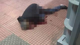 Πλατεία Βάθη: Έκοψαν τον λαιμό αλλοδαπού μπροστά σε πολίτες