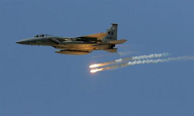 Boeing  F-15 Eagle na mira do Qatar e Super Hornet para o Kuwait
