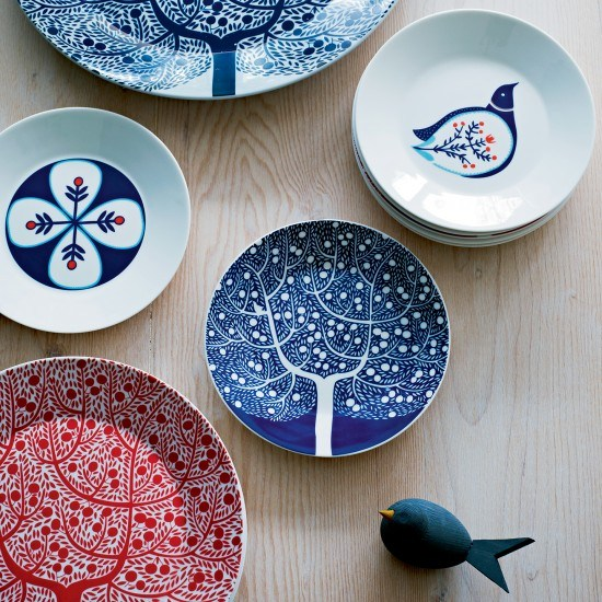 Dishes and Tableware With Flowers 8