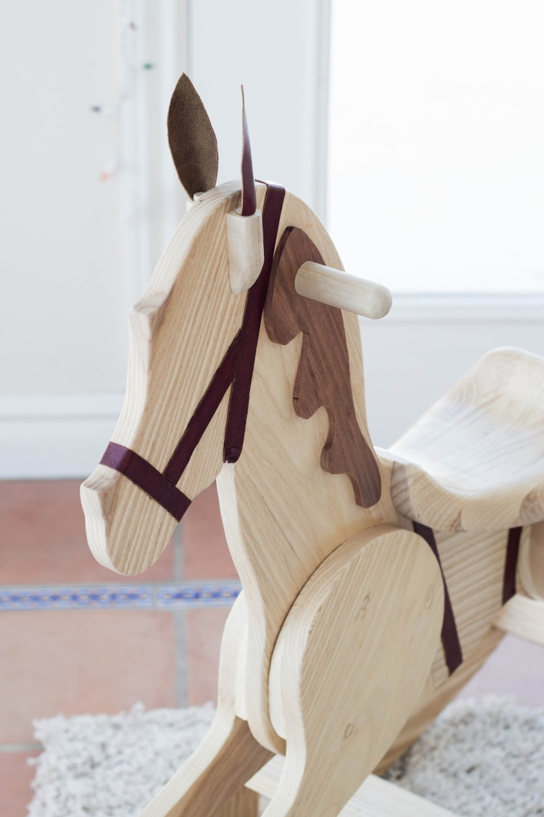 how to make a horse