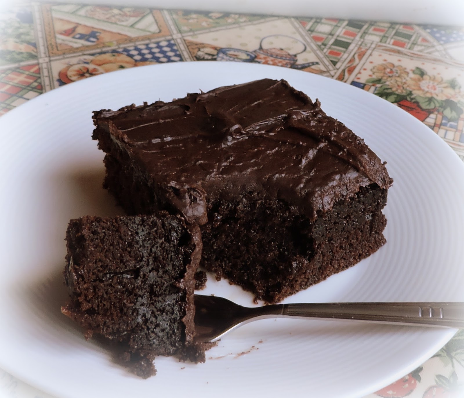 i m a delicious cake chocolate Chocolate avocado cake and chocolate avocado buttercream – delicious, moist and rich – a healthier dessert that compromises no flavor round 2 i recently struck gold on the avocado deal of a lifetime.