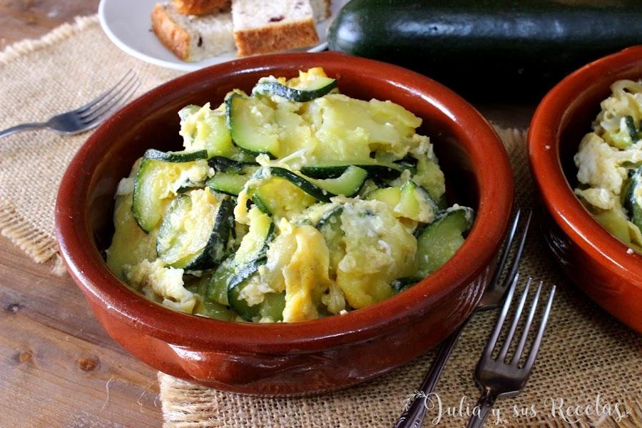 Zarangollo. Revuelto de calabacín y cebolla. Julia y sus recetas