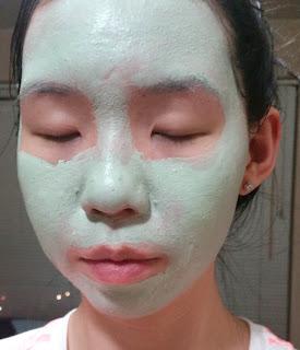 clay mask selfie