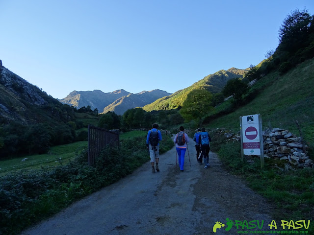 Ruta al Cornón por el Valle los Cereizales: Desvío a la izquierda